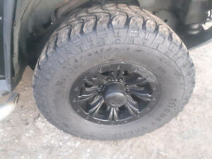 "35"" Mickey Thompson on 18"" Rims GMC/Dodge 8 Bolt"
