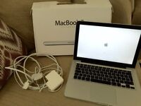 Apple MacBook Pro late 2011 / 4GB RAM-500GB HD LED BACKLIGHT WIDESCREEN 13""