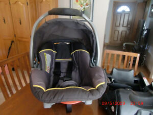 Baby Car Seat with  Extra Base for Second Car