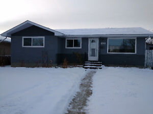 Cash flow Renovated Bungalow Mayland Heights