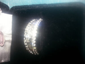 best ladies ring with genuine (bague) diamonds 1.25 Ct West Island Greater Montréal image 1