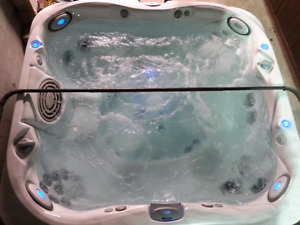 Open today 12-16h End of March madness Hot tub sale