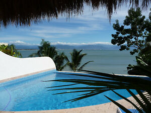 Escape Winter! Beachfront Casa Infiniti Pool, La Cruz Bucerias