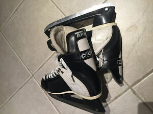 CCM hockey skates mens size 6 tacks