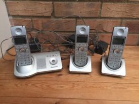 Panasonic KX-TG7120E Cordless Phone answer machine + 3 handsets