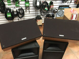 "Yamaha SM10IV-OAK - 10"" 2-way floor monitor"