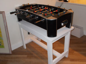 Foos-ball game and table