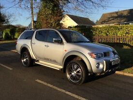 Mitsubishi L200 2.5 DI-D animal double cab pickup 4WD 4door limited edition