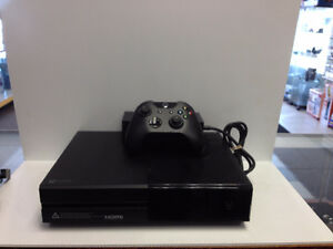 (sold) XBox One - Console with one controller-500 GB