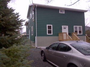 Dartmouth - 2 bedroom on upper level of a house