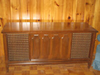 Stereo Console - Vintage