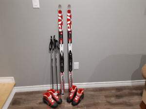 Youth cross country skis
