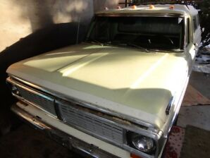 Ford F100 Ranger 1970 Parts Truck