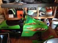 2003 arctic cat zr 120 great shape 1800$ neg or maybe trade