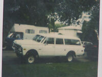 WANTED TO BUY 1972 GMC SUBURBAN 4X4