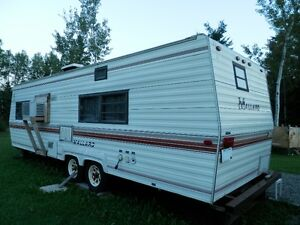 28' Mallard Travel Trailer = Excellent for Bunkhouse