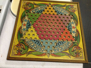 VINTAGE CHINESE CHECKERS GAME BOARD KING-FUU CHECKEE
