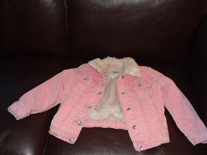 Girl's Coat Size 4-5/ Manteau filles grandeur 4-5 West Island Greater Montréal image 1