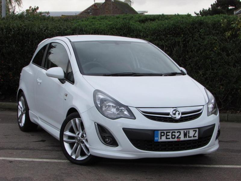 vauxhall corsa 1 7 cdti ecoflex sri 3 door ac rare 1 7 diesel white 2012 in broadstairs. Black Bedroom Furniture Sets. Home Design Ideas