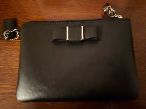 Coach clutch/wristlet like new! Used once! Great xmas gift!