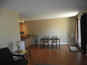 Short Term Rental by Kingsway Mall $650 Edmonton Edmonton Area image 4