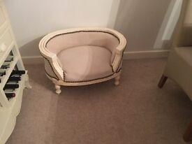 Rococo Dog bed
