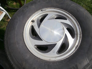 Truck one set of summer tires on mags 235/75/15 Kingstar centum