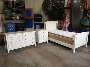 White Girls 3 PC Twin Bed Set w/ Mattress and Box Spring