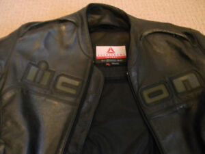 ICON   LEATHER AND ALPINESTARS MESH BOTH XL ONLY $300 FOR BOTH