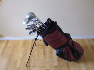 Men's Right-Handed Golf Clubs with Nike Golf Bag