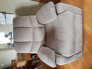 Almost New Electric Reclining Chair