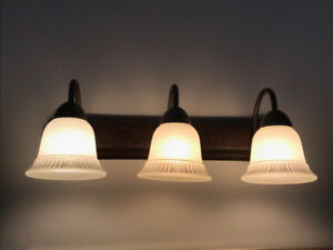 Vintage 3 Light Bathroom Fixture