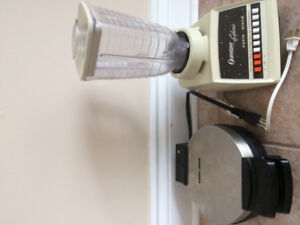 B&D Waffle maker and Oster blender, works perfectly fine