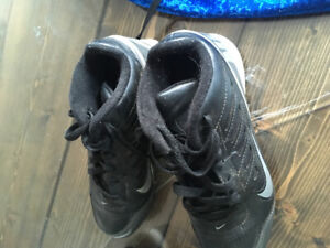 Youth football cleats size 3