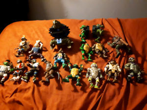 Seventeen 80s And Early 90s Ninga Turtles Action Figures TMNT
