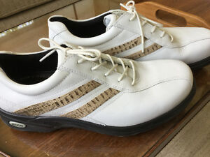 Ladies' Ecco Golf shoes, brand new size 9-9/12
