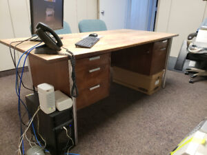 ***FREE*** OFFICE DESK AND CABINET - MUST BE GONE BY FRIDAY @2PM