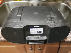 Sony stereo with ipod dock, good condition