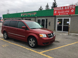 2010 Dodge Grand Caravan sxt Minivan, Van**MINT*****