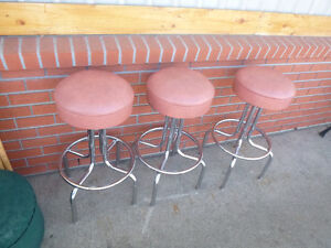 Chairs, bar stools,  see photo's