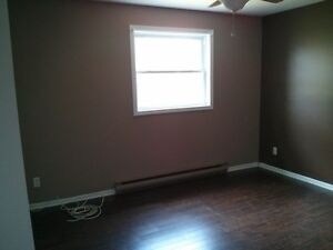 Private 2 BDR  Apartment!!!  Quick 401 Access. Cornwall Ontario image 9
