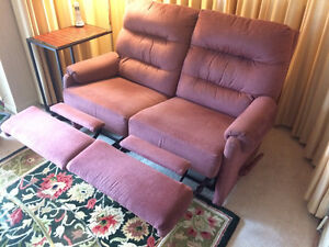 PRICE REDUCED TO $195-RECLINER: TWO-SEAT--MANUALLY OPERATED Peterborough Peterborough Area image 3