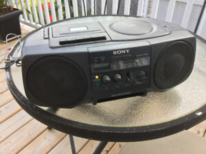 Sony Portable stereo/ radio
