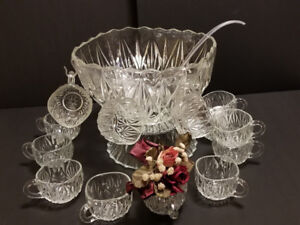 Vintage Starburst Cut Glass Punch Bowl Set Complete