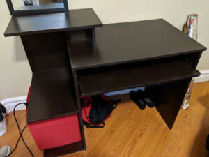Desk -with pullout shelf