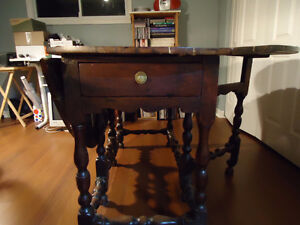 Antique William and Mary Table Kingston Kingston Area image 4