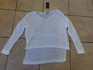 GUESS LADIES SWEATER SIZE MED/LRG - NEW WITH TAGS