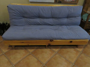 Futon couch/bed ( with 2 small pillows )