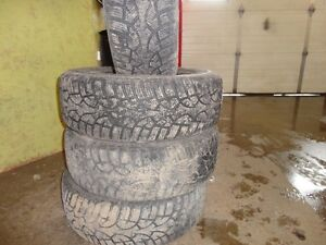4 WINTER TIRE NORDIC 195/65/R15 85% TREAD Kitchener / Waterloo Kitchener Area image 2