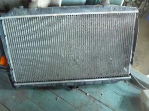 Pieces Nissan Altima 93-99, 2.4L Alternateur,radiateur,rims...